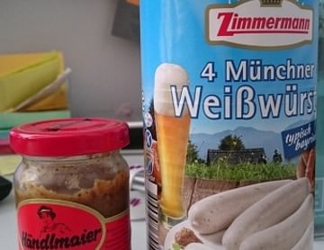 4 Weisswürste aus München mit bayerischen Senf