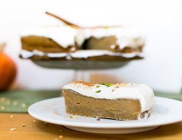 Herbstliche Kürbistorte mit Cheesecake Frosting