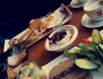 1+1 gratis Frühstück im lutz