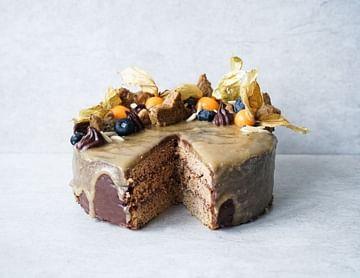 Lebkuchen-Schoko Torte mit Karamell Drizzle