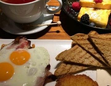 Frühstück im lutz der club