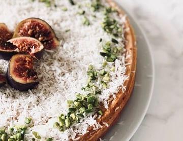 Kokos-Feigen-Pistazien Torte mit Quark-Chia-Füllung