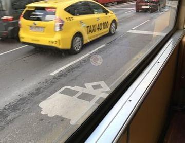Taxi40100