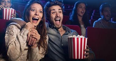 Wenn es draußen brütend heiß ist, dann sorgt Hollywood Megaplex für Abkühlung im Kinosaal. Mit unserem Hollywood Megaplex Studentenrabatt bekommst du außerdem zu deinem Kinoticket einmal mittlere Popcorn gratis!