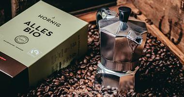 Im Onlineshop von J. Hornig dreht sich alles um höchsten Kaffeegenuss. Mit unserem J. Hornig Studentenrabatt bekommst du jetzt 10% Nachlass auf deine Bestellung und darfst dich außerdem über kostenlosen Versand freuen!