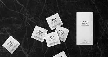 Mit den HEX Kondomen sorgt LELO für eine echte Revolution in Sachen Verhütung. Sichere dir mit unserem LELO Studentenrabatt jetzt 25% Nachlass auf eine12er Packung HEX Kondome! Einlösbar nur bei Amazon!
