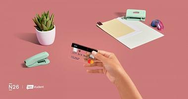 Ob beim Shoppen, in der Mensa oder unterwegs – mit dem modernen Banking von N26 hast du deine Finanzen jederzeit im Griff. Und mit unserem N26 Studentenrabatt erhältst du zur Eröffnung deines Kontos 15€ geschenkt!