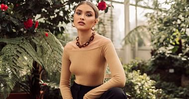 Wer bei NA-KD einkauft? Fashionistas und Influencerinnen. Mit unserem NA-KD Studentenrabatt shoppst du die beliebten Modetrends um 15% günstiger!