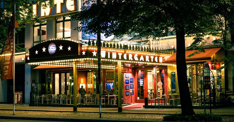 Willkommen in Berlins bekanntestem Varieté Theater!